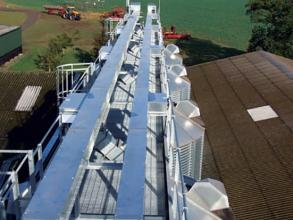 Perry of Oakley silo loading conveyor